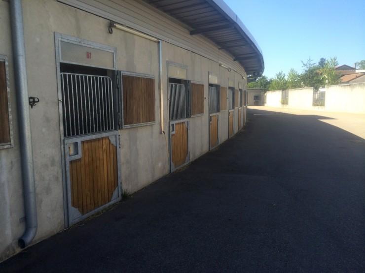 Boxes, local drivers, infirmerie de l'hippodrome Lyon Carré de Soie - Vaulx en Velin (69)